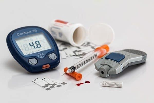 Blutzuckertest zur Ermittlung der Glukose-Konzentration im Blut
