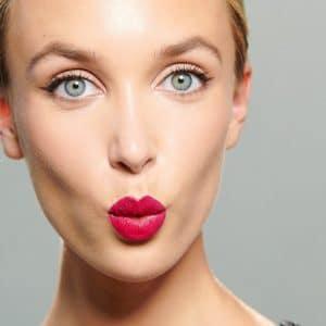 © IsaDora Perfect Lip Look - Ton-in-Ton mit Lipliner und Moisture Lipstick