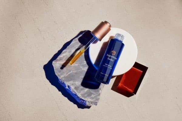 © Augustinus Bader Cosmetics - regenerative Hautpräzision im Nektar-Elixier THE FACE OIL