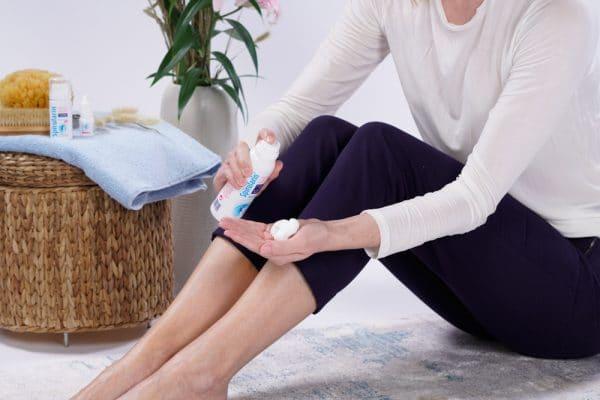 © Spirularin Mousse plus - fluffige Repair-Pflege für extrem trockene Fuß- und Beinareale